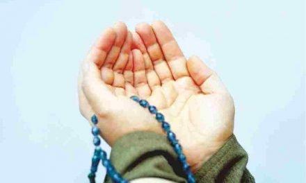 AGAR LEBIH DEKAT DENGAN ALLAH