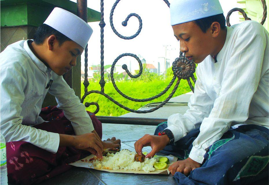 MENELADANI ETIKA MAKAN NABI DAN SHAHABAT (1)