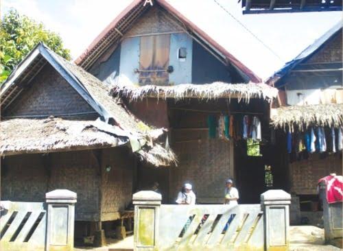 Salah satu pemukiman santri yang disebut  dengan kobong beratap ayaman tebu.